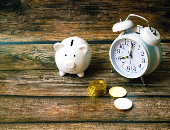 Где можно срочно взять немного денег в долг